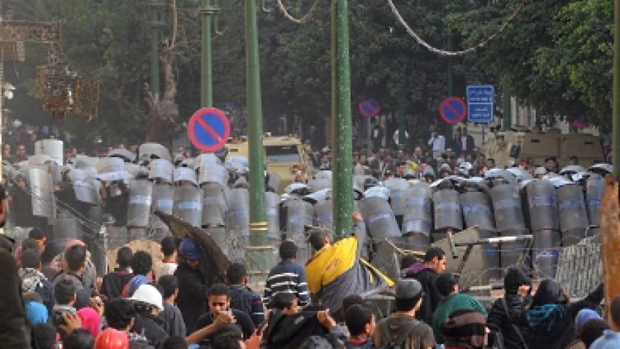 Насилието в Кайро продължава