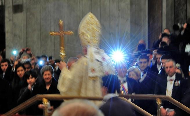 Папата призова католиците да не са материалисти