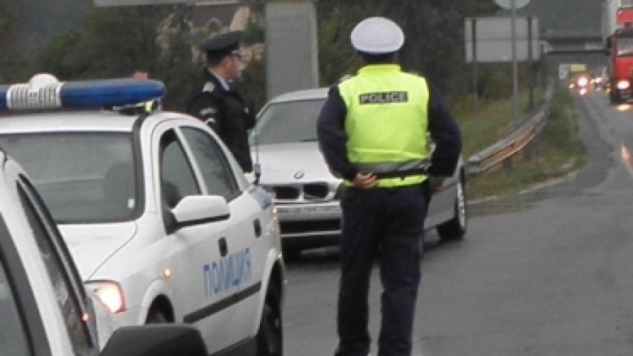 Шофьор загина след удар в автобус