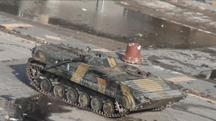 Тази сутрин 11 танка се изтеглиха от квартал Баба Амр в Хомс
