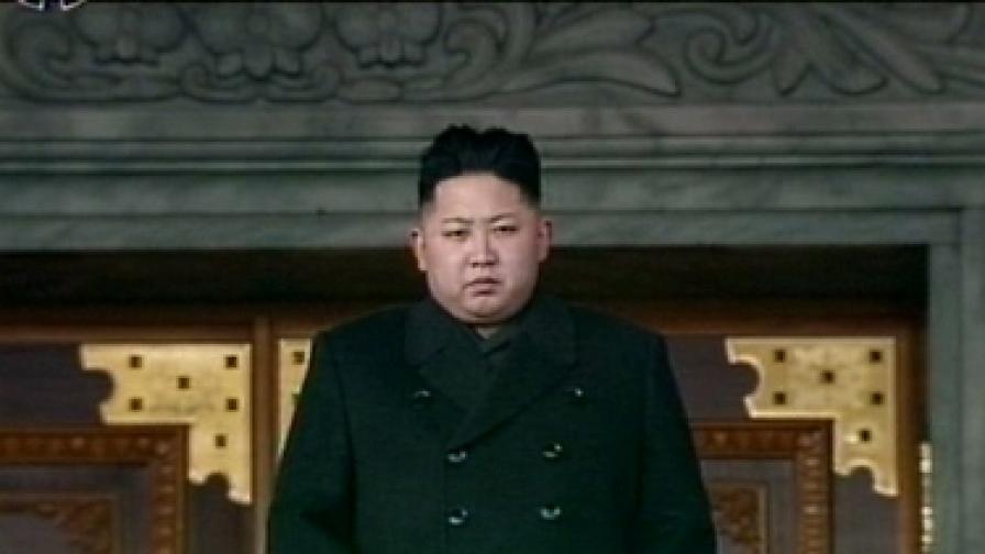 КНДР: Вождът е мъртъв, да живее върховният лидер