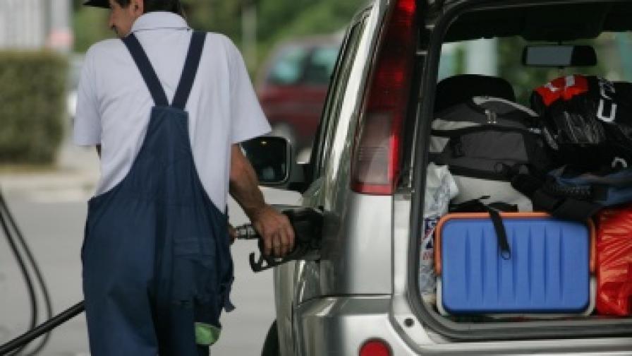Малките бензиностанции искат отсрочка от НАП