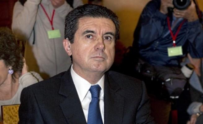 Бивш испански министър беше изправен пред съда по обвинения в корупция