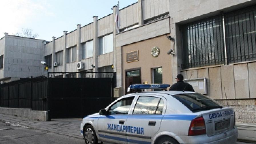 Мъж се самоуби в японското посолство в София