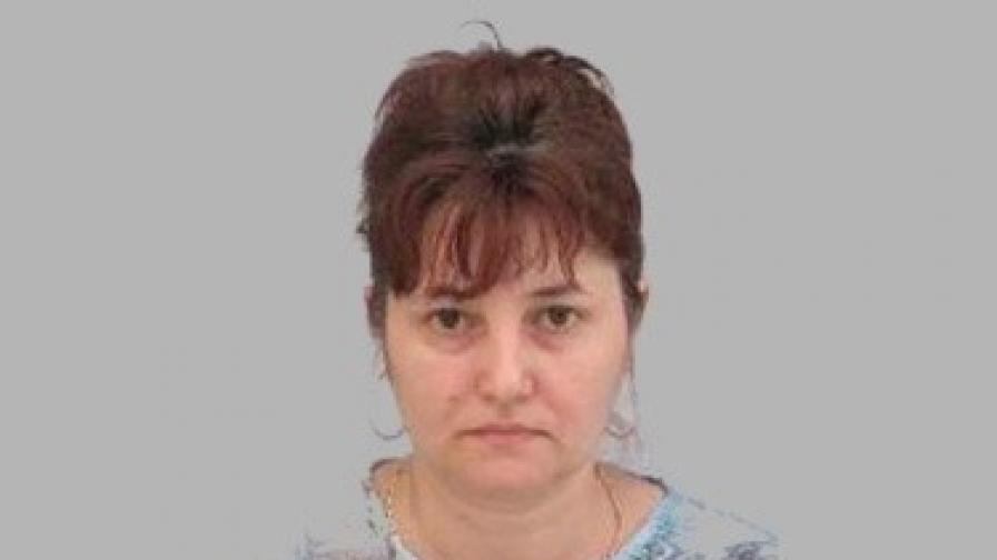 Съпругът убиец на данъчната от Враца плака в съда
