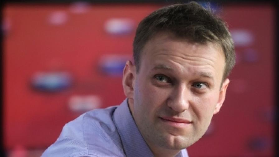 """Алексей Навални по време на предаване в студиото на радио """"Ехото на Москва"""" - 26 декември 2011 г."""