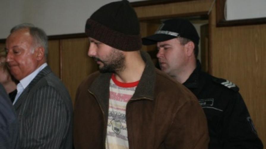 Марио Любенов остава в ареста