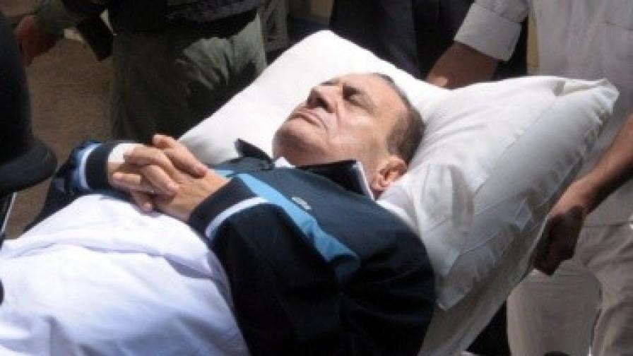 Мубарак формално още бил президент