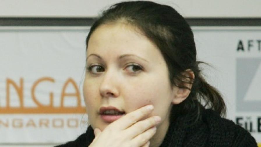 Яна Бюрер Тавание