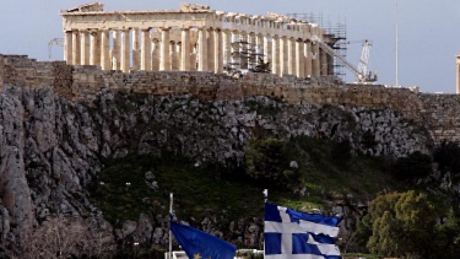 Гръцките партии се споразумяха за съкращенията на разходи