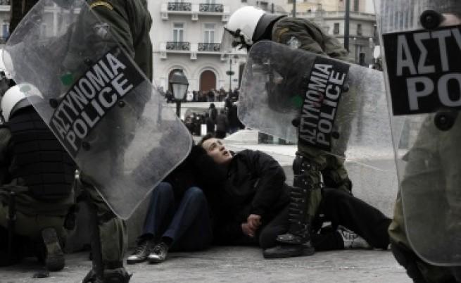 Гърция получи студен душ от Брюксел