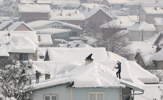 Зимата се завръща в Европа, без да си е тръгвала