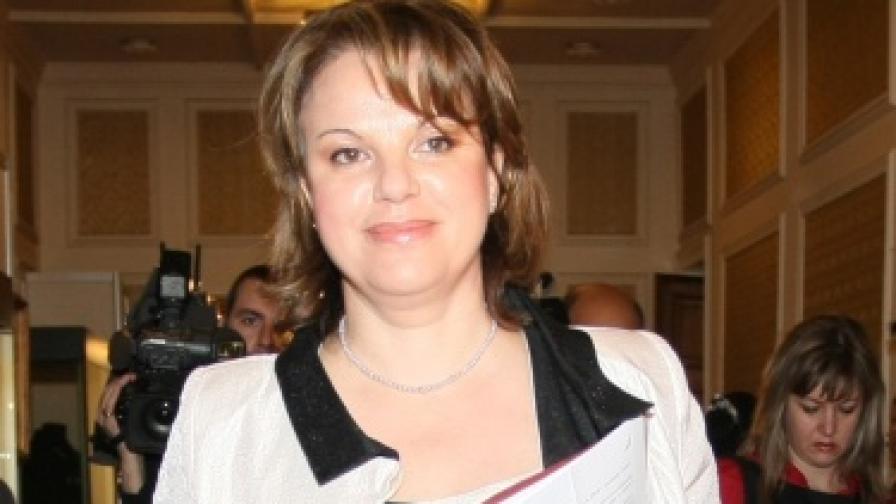 Нели Нешева обмисля да съди Димо Гяуров