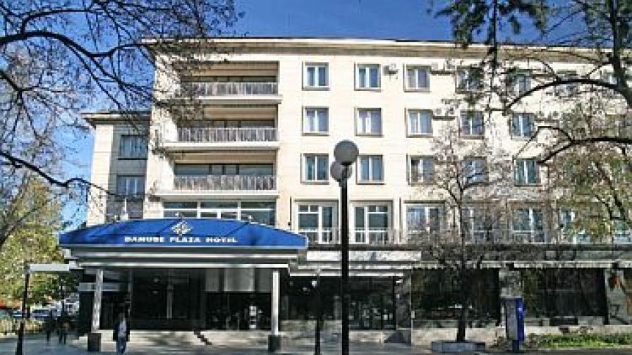 Бивш областен управител на Русе с обвинения за замени с фирма на Михаил Михов - Бирата
