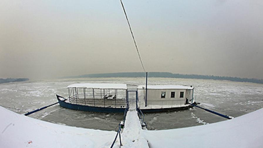 Само преди 10 дни реката беше напълно замръзнала при Белград