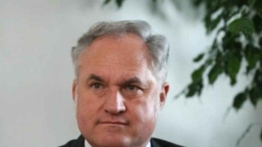 Кольо Парамов: Хората не вярват на Първанов и Станишев