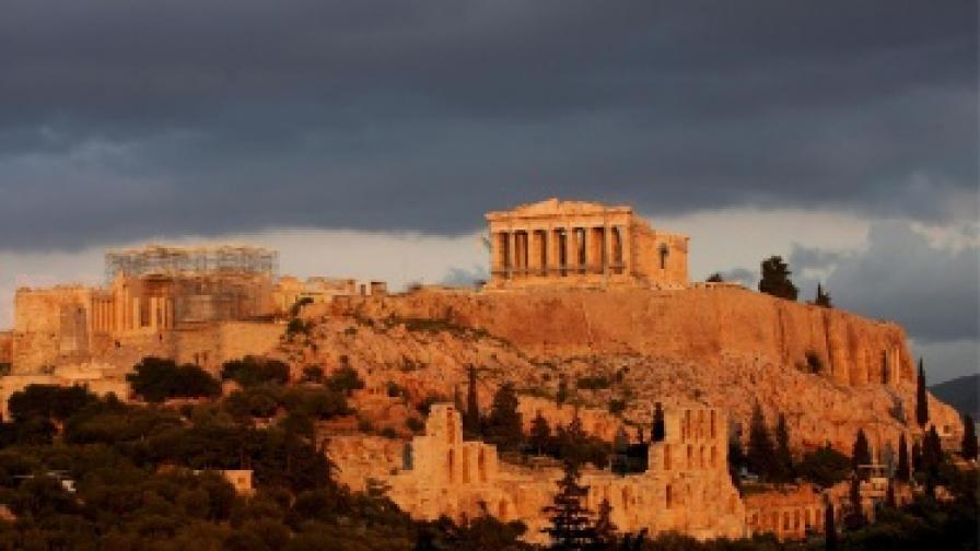 Гърците кътали милиарди под дюшеци