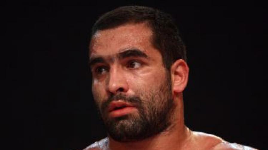 Спортистът Благой Иванов-Багата е бил намушкан с нож