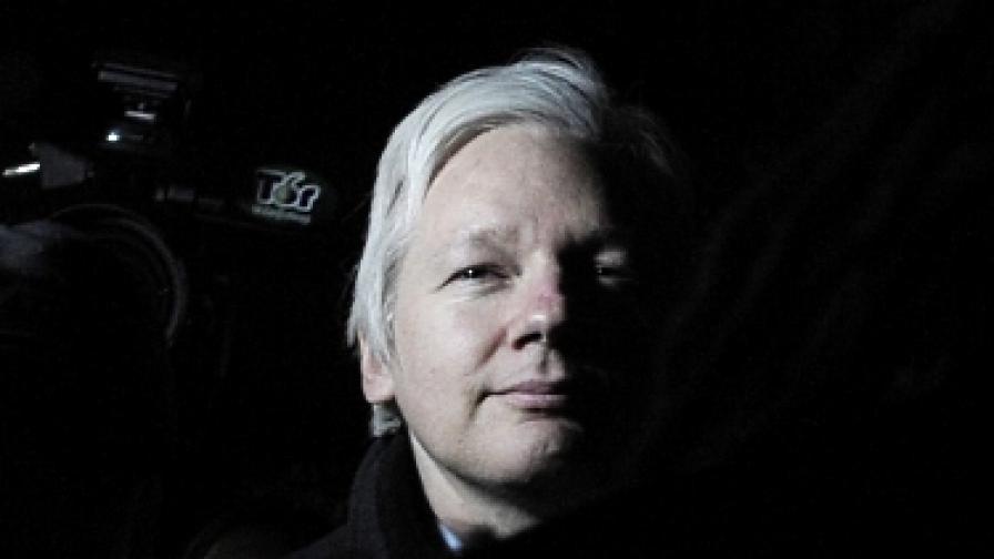 """""""Уикилийкс"""" отново публикува"""