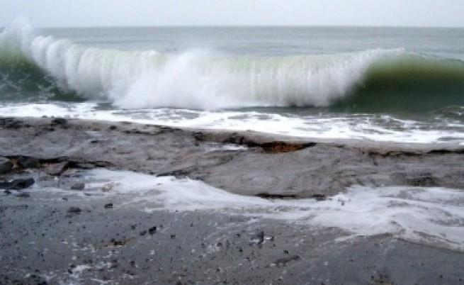 Отпадните води на Равда текат в морето