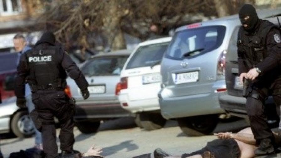Ограничават полицейските правомощия със закон