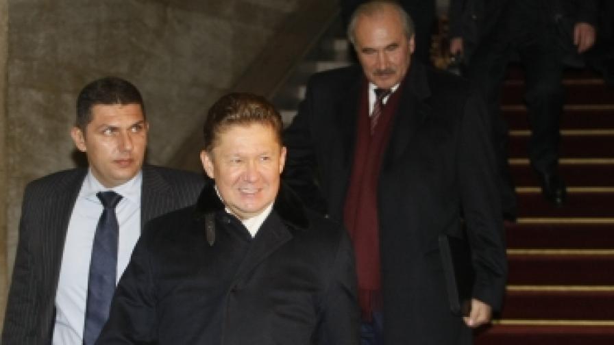 """Шефът та """"Газпром"""" Алексей Милер излиза от срещата с премиера Бойко Борисов"""