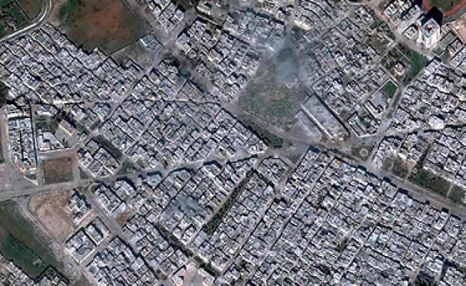 Конвой с помощи на Червения кръст пристигна в Хомс