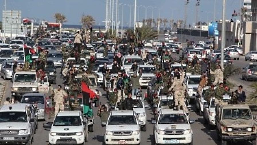 Опасенията за разцепление се засилват веднага, след като либийците празнуваха първата годишнина от началото на бунта срещу режима на Кадафи