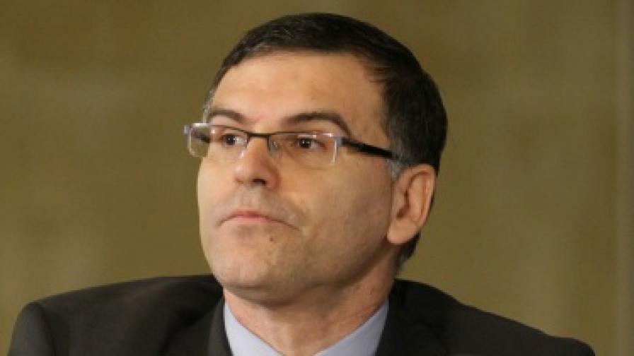 Дянков заплашил В. Захариев с данъчни