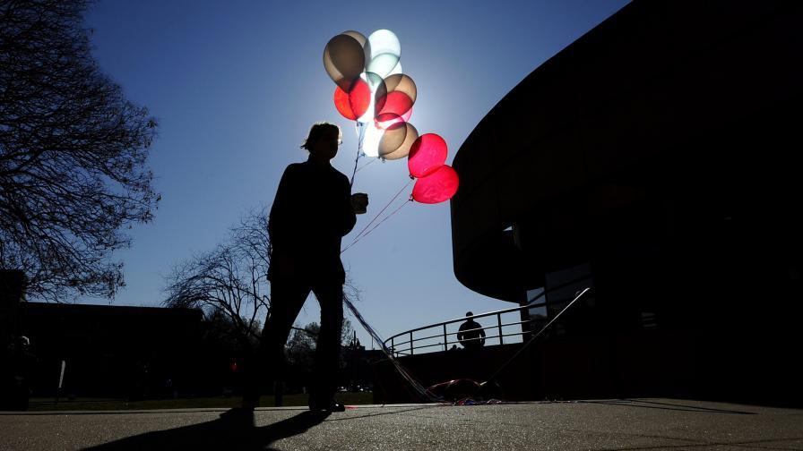 Предупреждение: Хелият на Земята свършва заради балоните