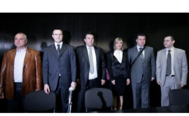 Отцепници от Сидеров правят нова партия