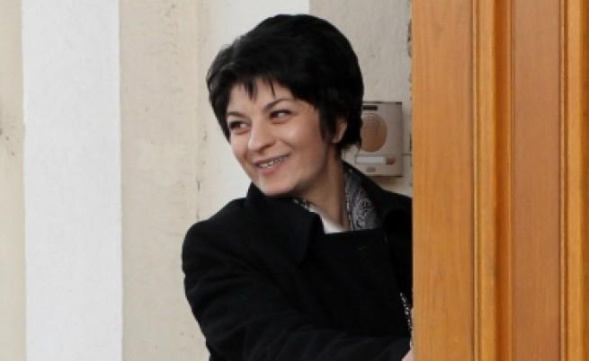 Атанасова прогнозира 20% увеличение на заплатите в