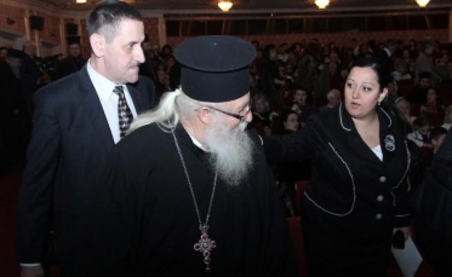 Джеки Стоев: Да си помагаме, българи сме