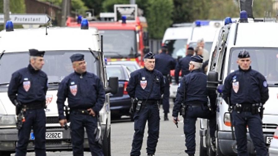 Арестите във Франция продължават