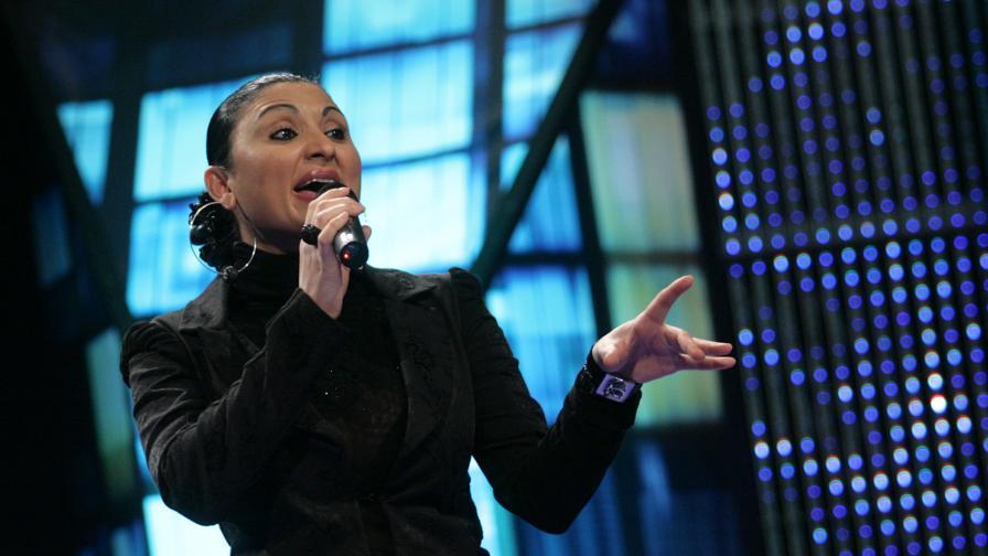 Софи Маринова пее в парламента по покана на Цветанов