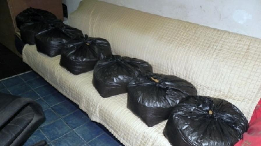 В къщата - лаборатория е имало големи количества основна суровина, използвана при производството на синтетични наркотици