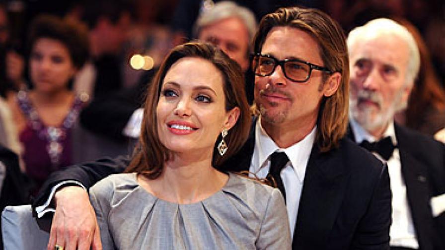 Анджелина и Брад се сгодиха