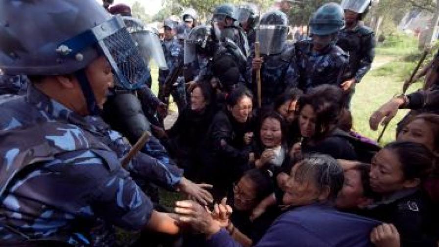 Още двама тибетци се самозапалиха в Китай