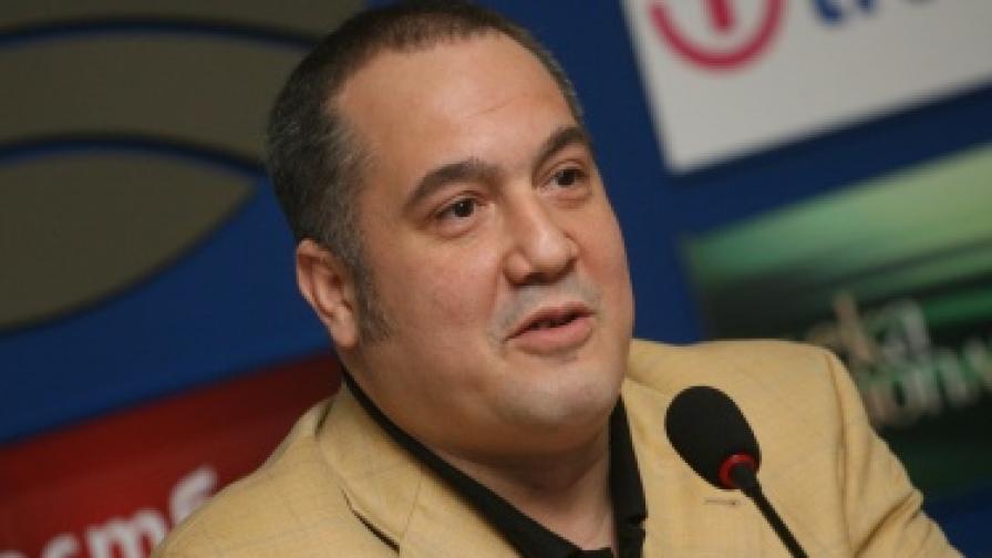 Слави Бинев ще търси разума в политиката