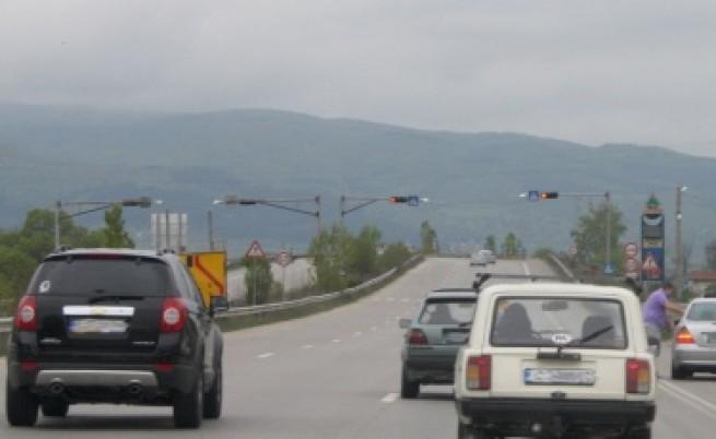 На първо четене: Със 140 км/ч. по магистралите