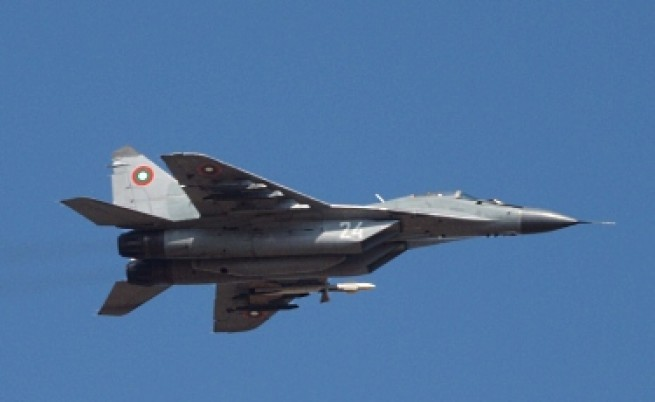 Радев към Каракачанов: МиГ 29 не отговарят на съвременните изисквания