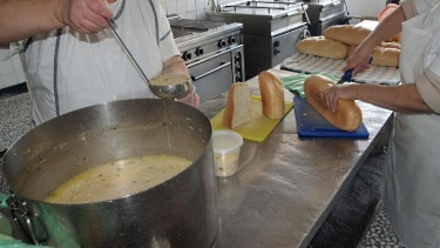 Д-р Кунчев: Поне 20 пъти да си мият ръцете в кухните на заведенията
