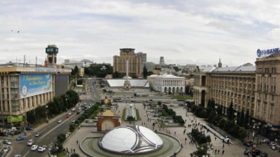 """В Украйна и в Полша """"Евро 2012"""" се очаква като голям празник. Площад """"Независимост"""" и части от централни булеварди в Киев са обявени за """"фен зони"""" по време на мачовете"""