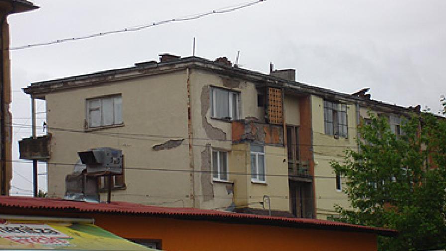 Поне 10 млн. лв. щети от земетресението в Перник