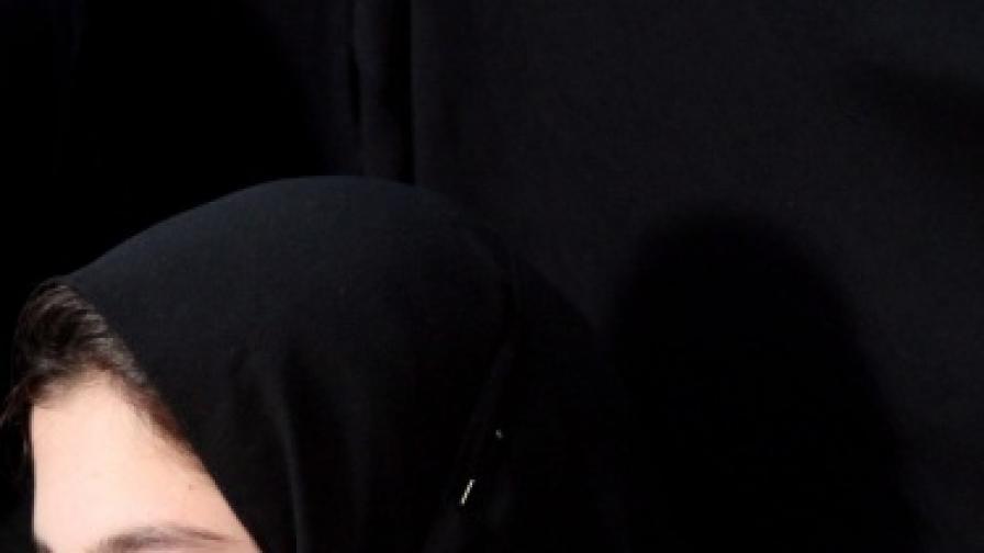 КЗД ще решава за забрадена ученичка в Горно краище