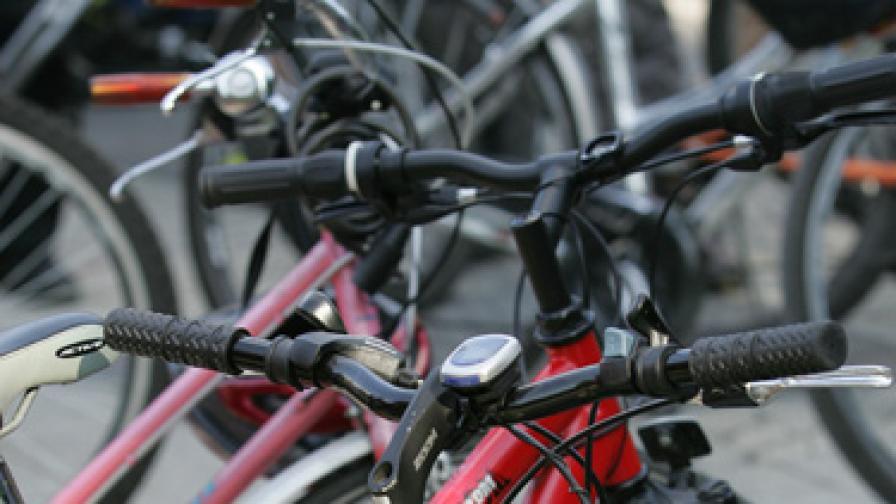 Българи ще изминат 4000 км през 11 държави на колело