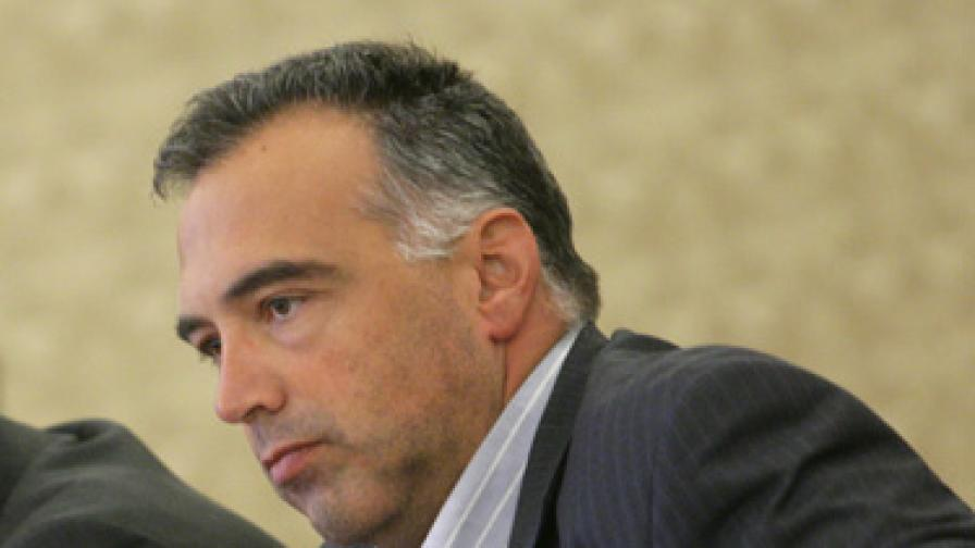 Депутатът от БСП Антон Кутев за трусовете в Перник: Защо е този шум?