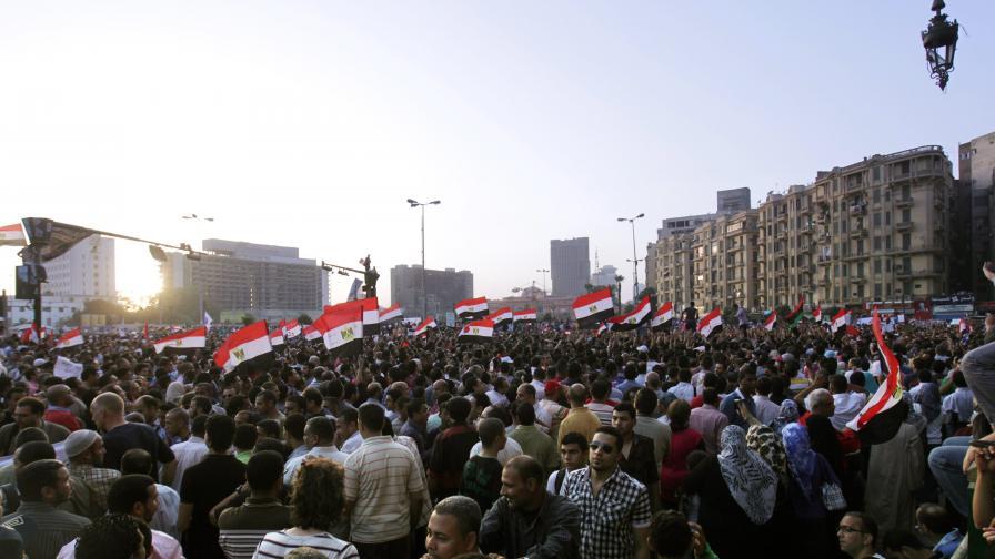 Хиляди египтяни на протест срещу оправдателните присъди