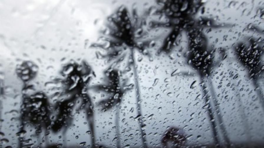 Хиляди японци се готвят за евакуация заради тайфун