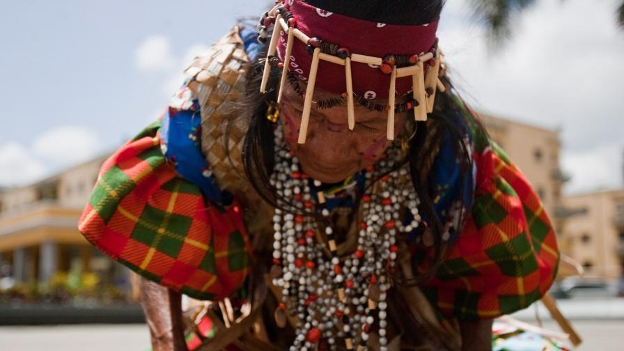 Индианско племе във Венецуела си иска 35-тонна скала от Германия